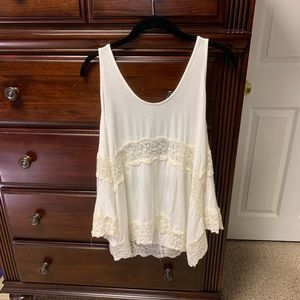 AMERICAN EAGLE LACE TANK TOP 💫